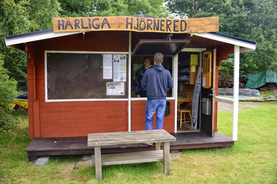 Platsen för information och kanotuthyrning i Härliga Hjörnered, mellan Knäred och Laholm