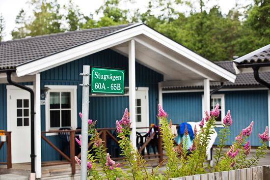 I Gekåsbyn finns ungefär 900 sängplatser och mer än 500 husvagns- husbils- och tältplatser att erbjuda. I april 2013 öppnas också ett eget hotell.