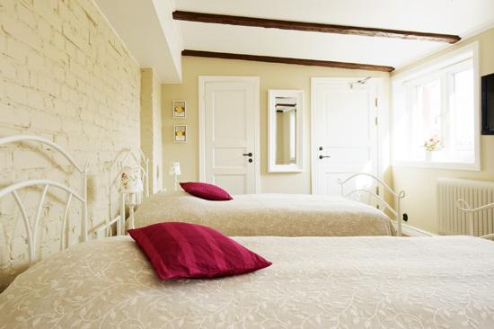 På Okéns Bed & Breakfast bor du i charmiga rum mitt i Varbergs centrum