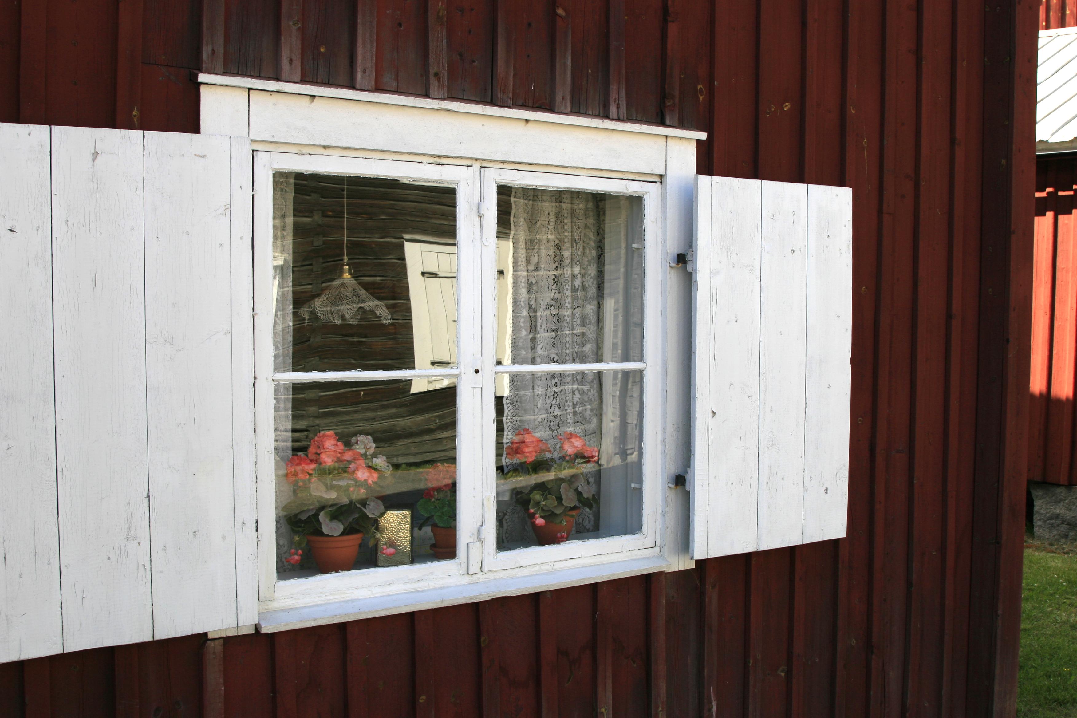 Kyrkstugefönster