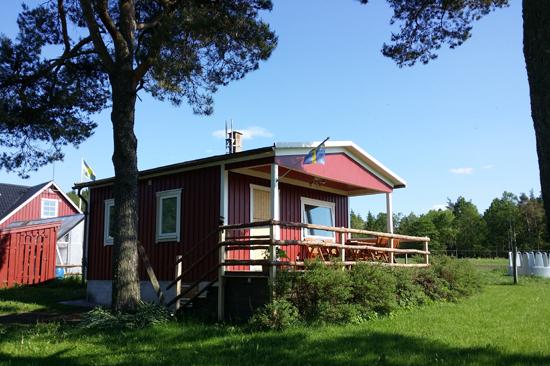 Eddylou Ranch utanför Falkenberg erbjuder stuga med plats för 6 personer