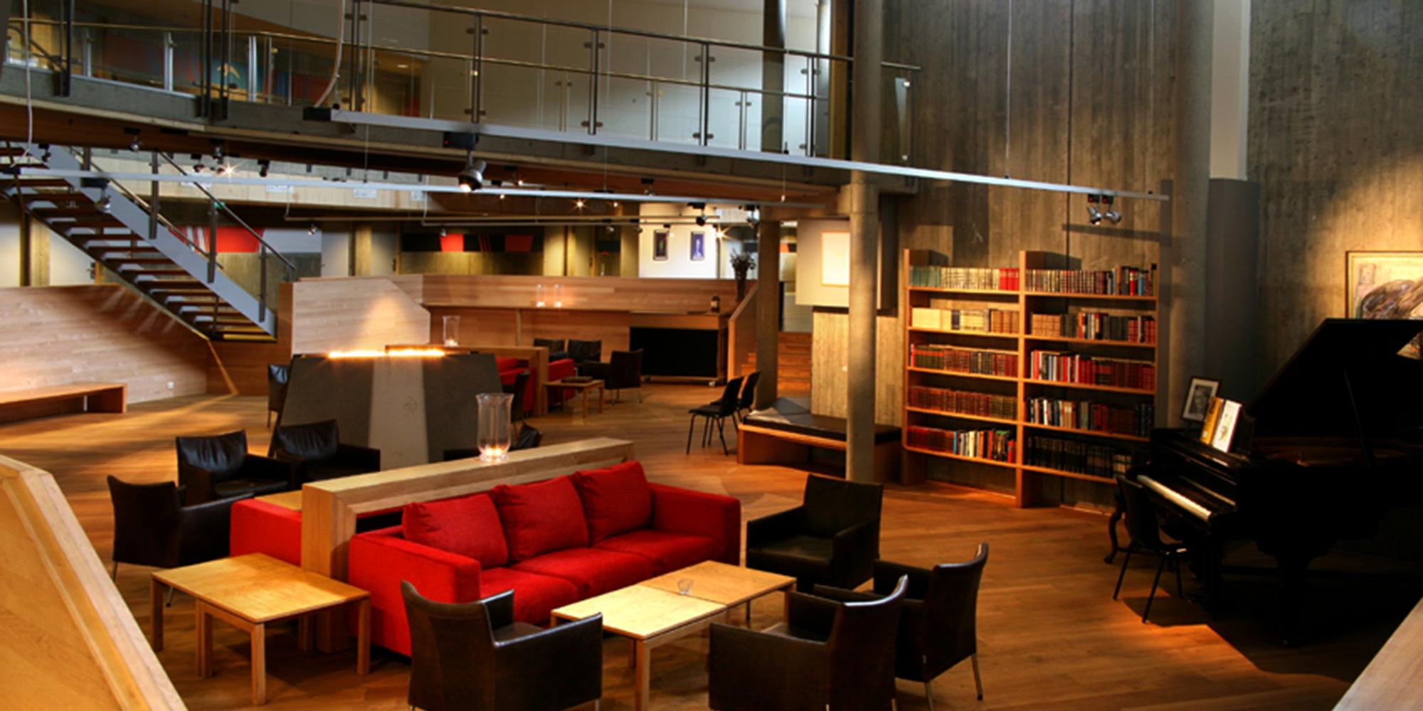 Stiklestad Hotell - The library. Copyright: Stiklestad Hotell