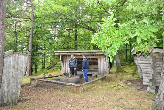 """Lämplig rastplats vid Spishall, områdets högsta punkt, under vandring på """"Gröna spåret"""""""