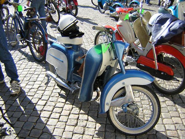 Moped i solen
