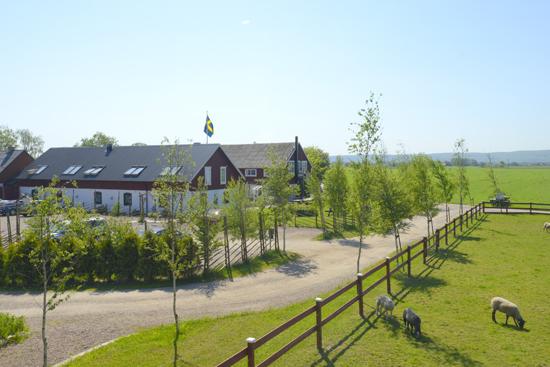 Lanthotell Lögnäs Gård utanför Laholm erbjuder boende i lantlig miljö