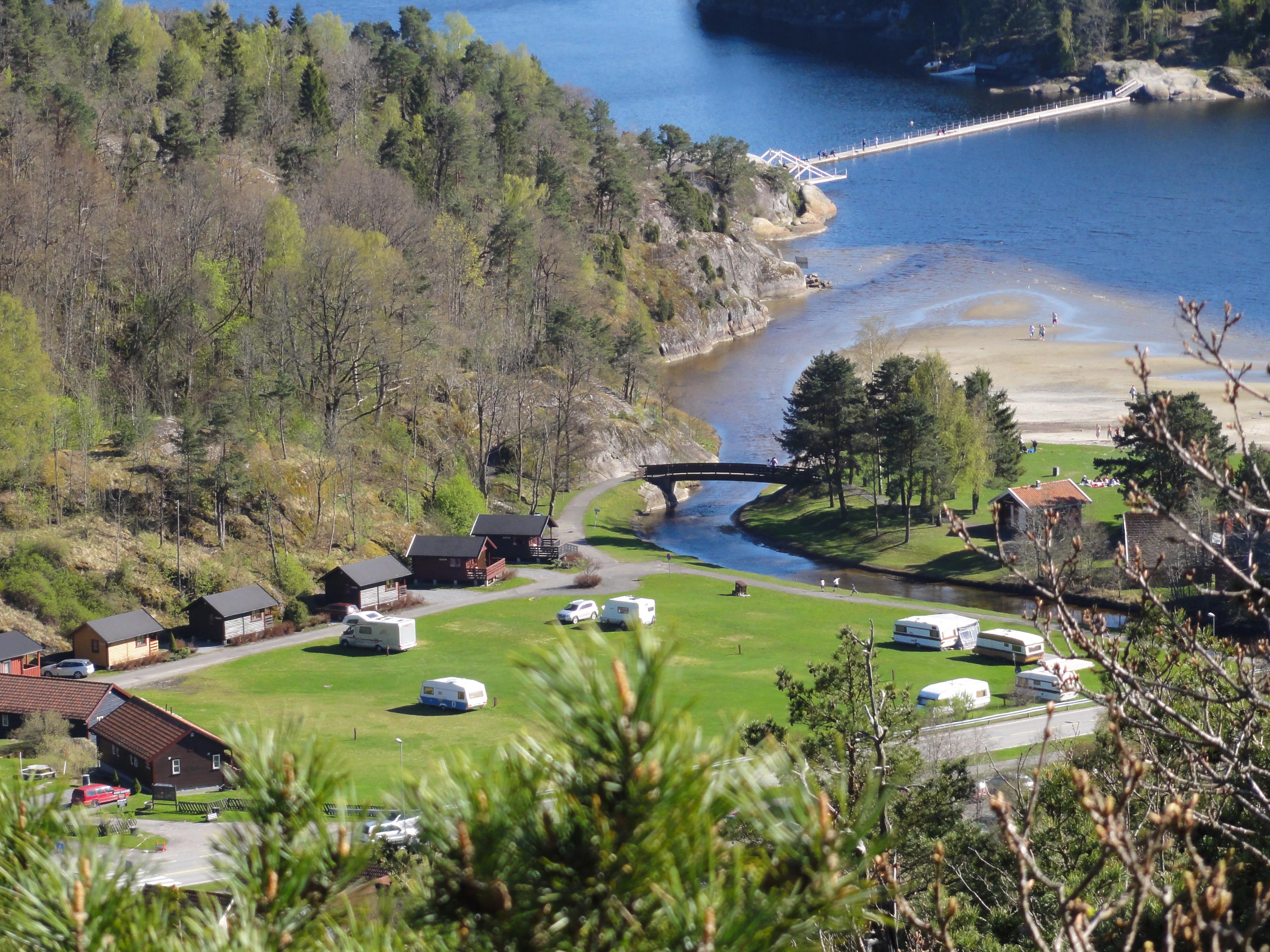 Olavsberget er en populær strand for hele familien, innerst i Eidangerfjorden, © Christer L Sørensen