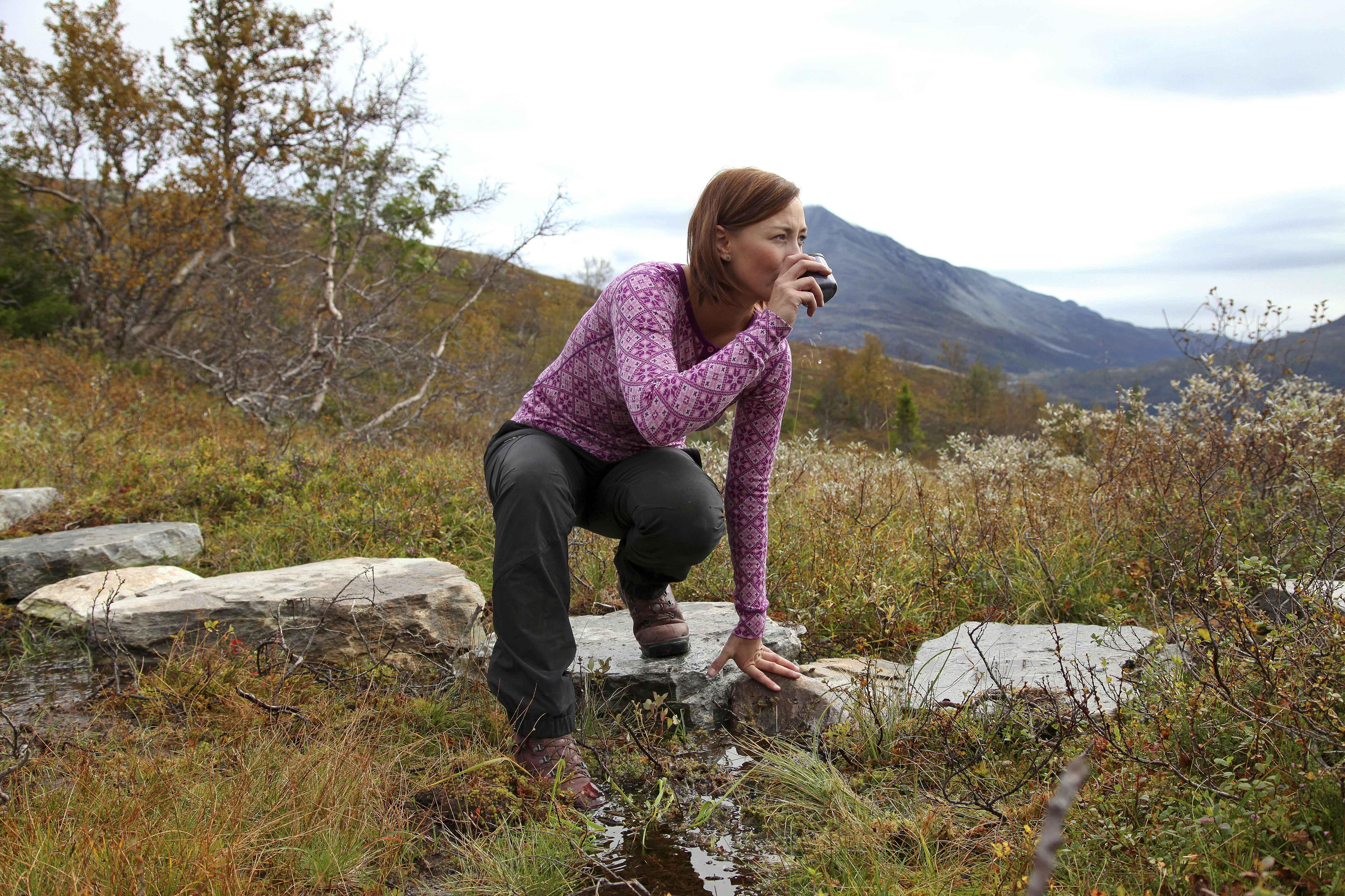 På Hardangervidda kan du ta en rast ved mange av bekkene eller innsjøene.  , © Stegarud Foto