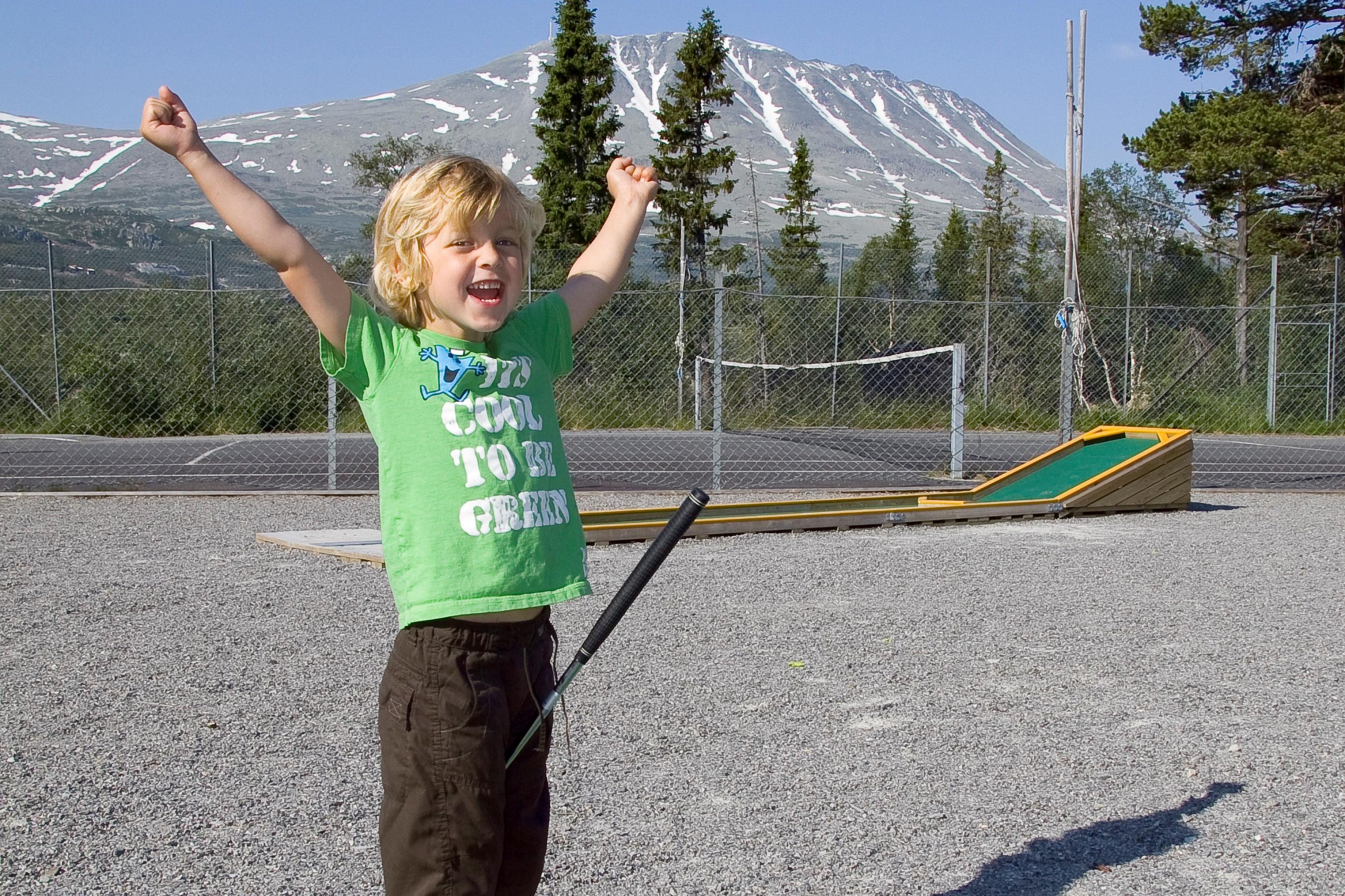 Minigolf på Gaustablikk Høyfjellshotell. Ikke-hotellgjester kan også spille , © Joachim Helstad