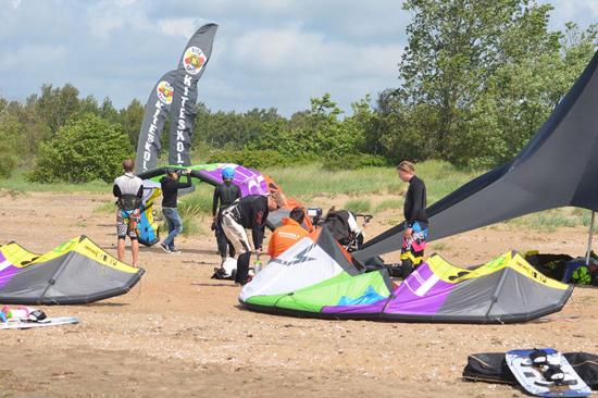 KITEKALLE har grundkurser och fortsättningskurser i kitesurfing