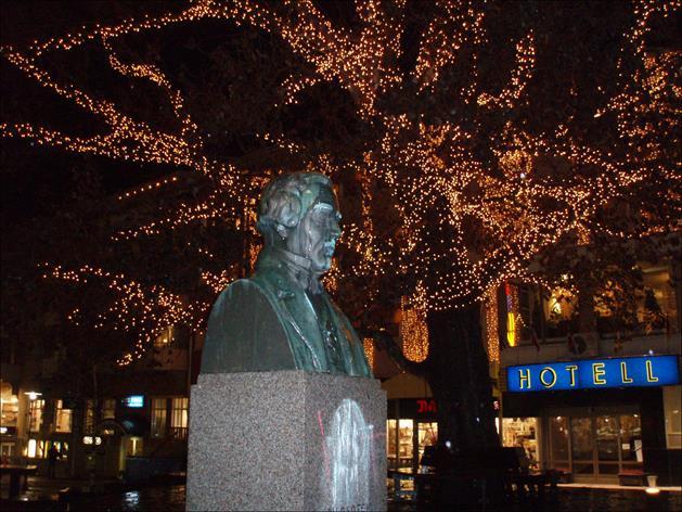 CJ Boström staty, Piteå Kommun