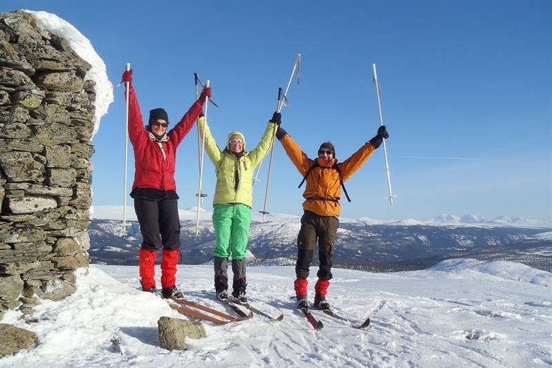 NORDIC WINTER SKIING EXPERIENCE