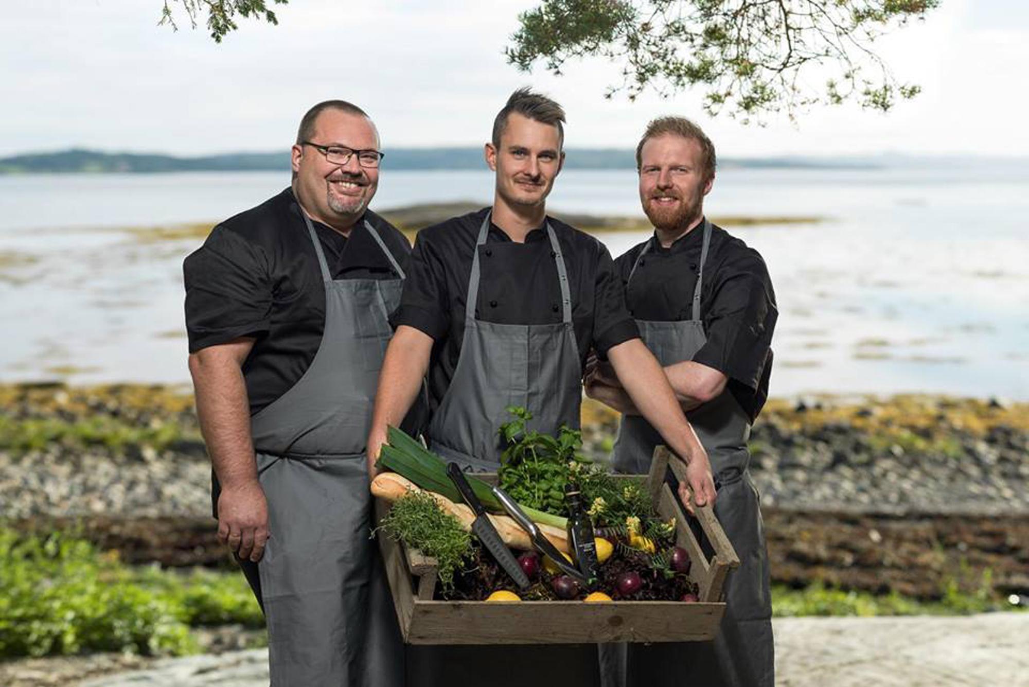 Promobilde av de 3 herrene som har Chef - mathall, spiseri, catering. Copyright: Chef 4 You