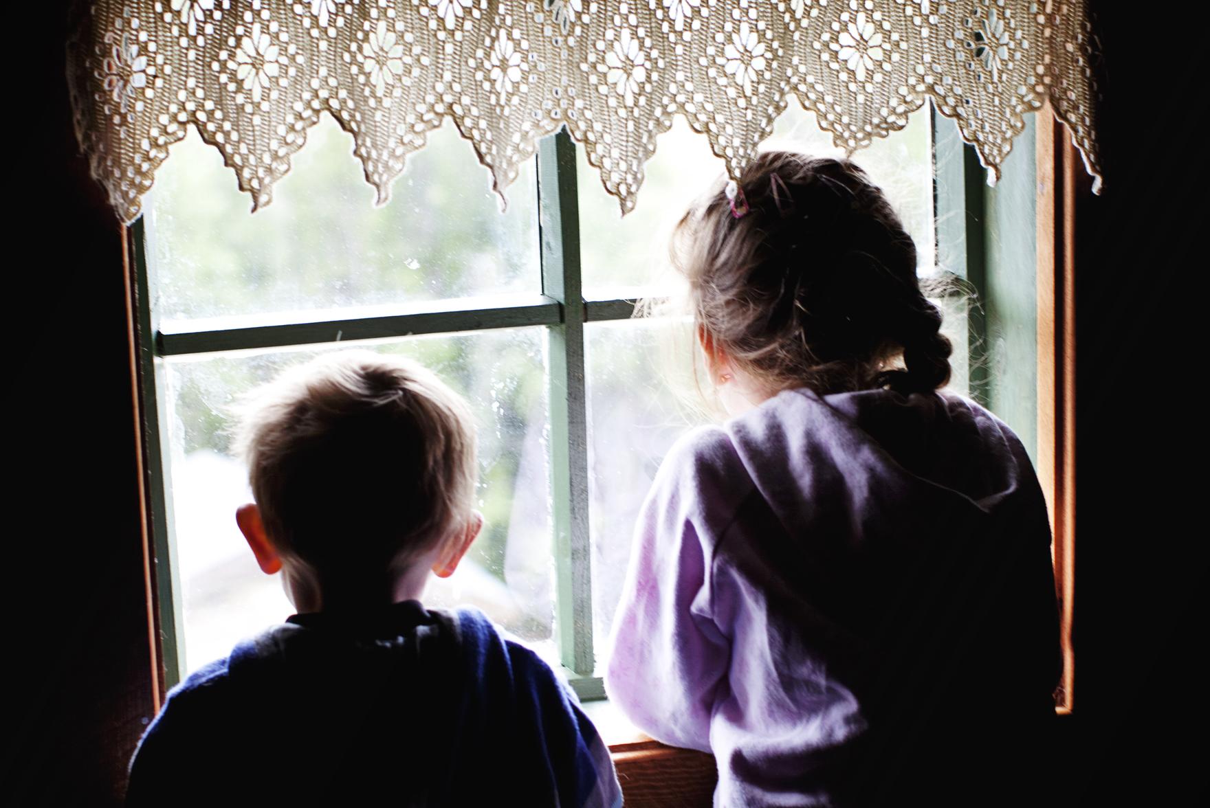 barna trives somregel svært godt på gårdsferie , © Fotograf Jacobsen