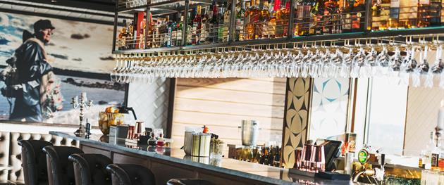 Baren hos Kust Bar Tage och skybar, Kust