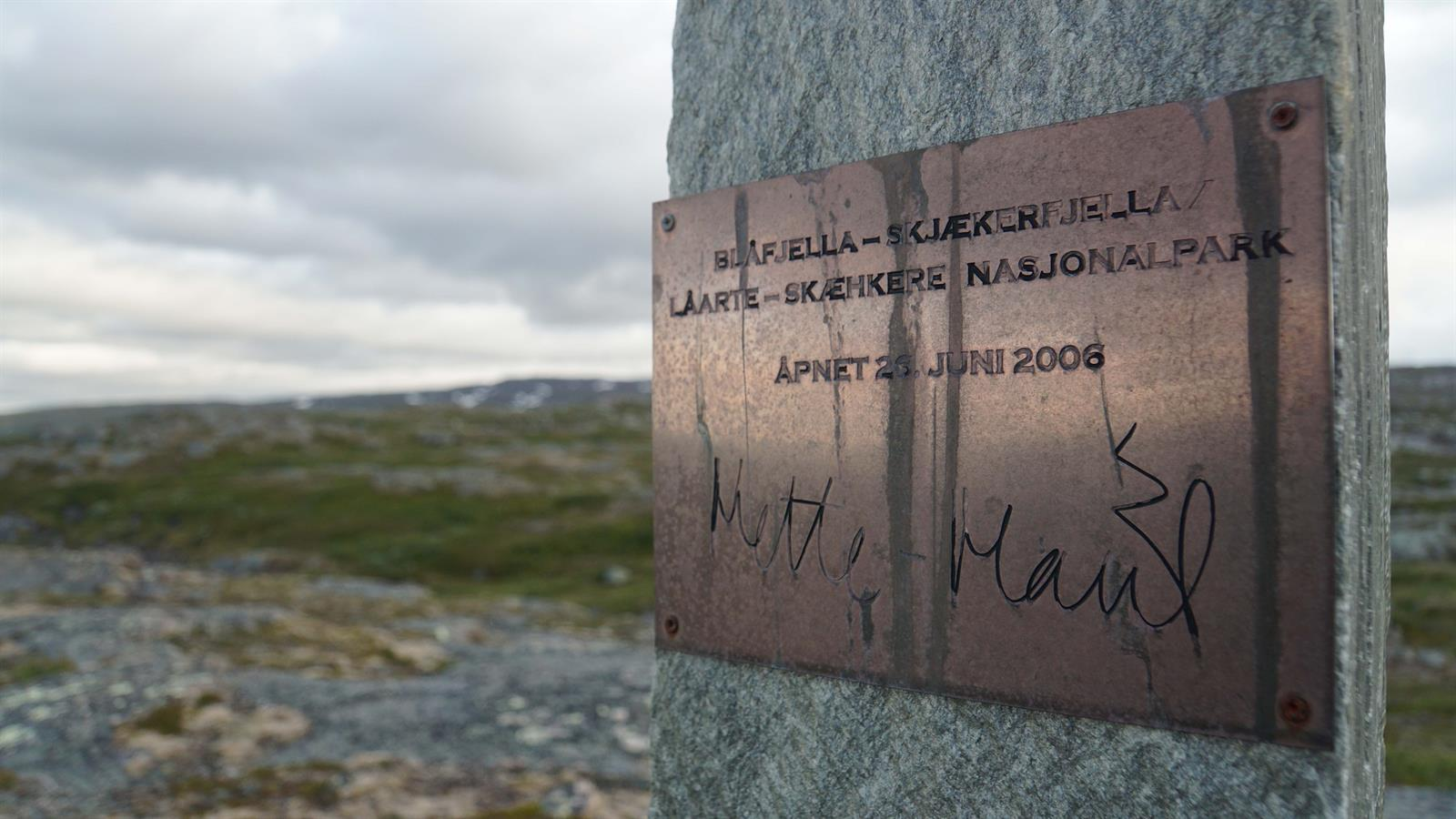 Hiking: National Park Monument Stone, Blåfjella-Skjækerfjella National Park