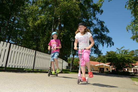 Alltid mycket att göra för barnen på Gullbrannagården utanför Halmstad.