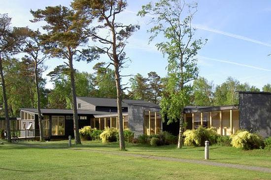 Tylebäck ligger naturskönt 8 km utanför Halmstad, ett stenkast från Tylösands stränder