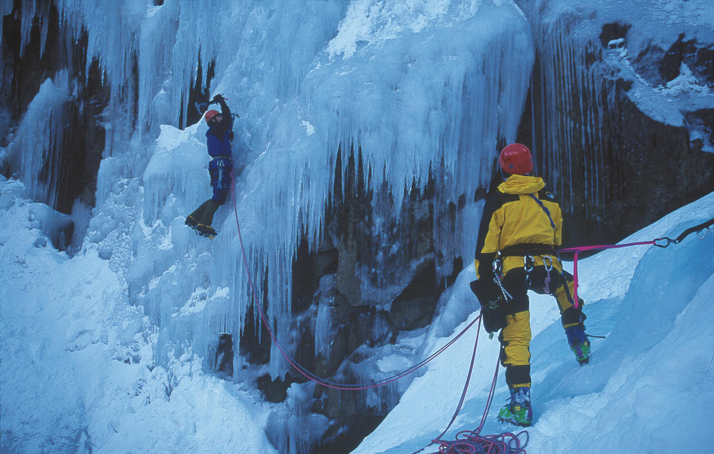 Rjukan har over 170 islagte fosser som venter på deg! , © Jarle Andersen