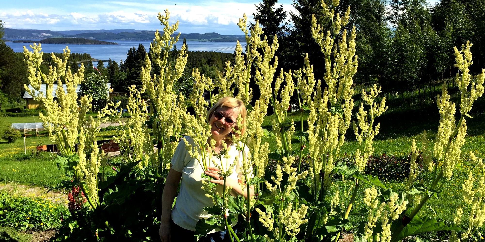 Fargetuva - vertinna blant blomster. Copyright: Fargetuva