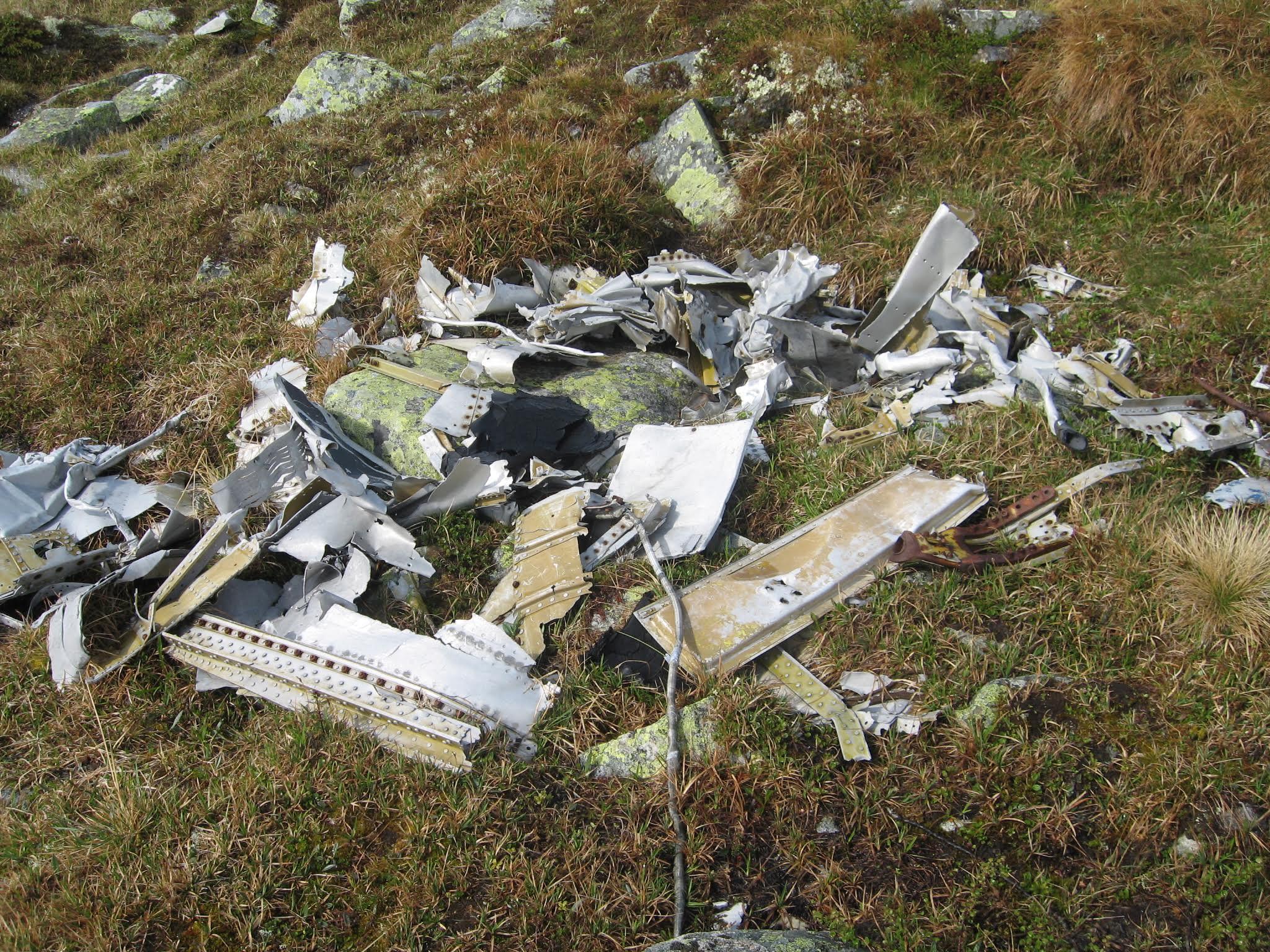Rester fra flyvrak, © Karin Rø