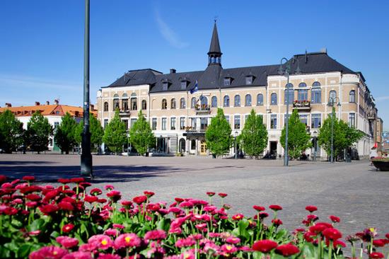 Varbergs Stadshotell & Asia Spa ligger centralt i Varberg och ett stenkast från havet