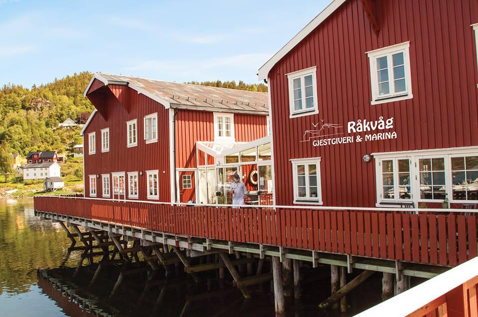 Råkvåg Gjestgiveri og Marina
