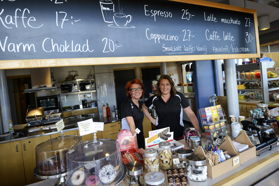 På Folkhälsocentrum i Laholm kan du ta dig en fika i badhusets café