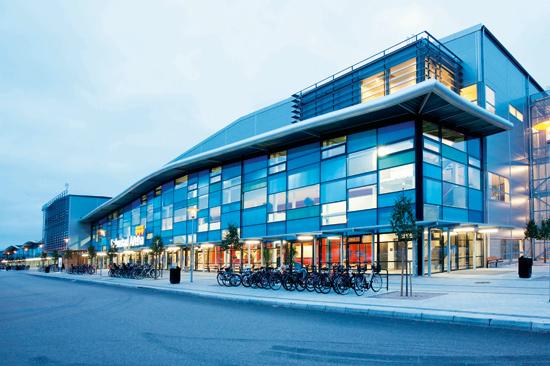 Halmstad Arena Bad är ett av Sveriges största äventyrsbad.