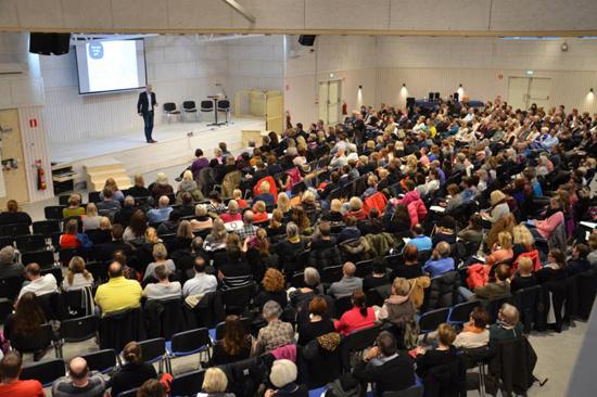 Bryggan är Gullbrannagårdens nyaste byggnad och invigdes våren 2014. Här ryms 450 konferensgäster. Lokalen kan delas i tre avdelningar.