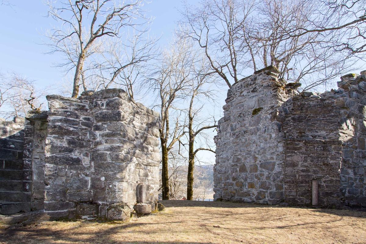 Reinsklosteret ruiner. Copyright: Petter Bueng