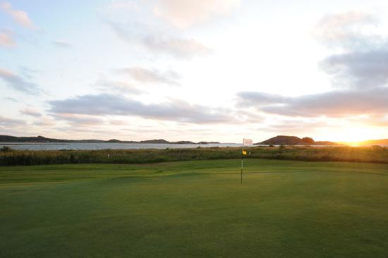 Hotell Halland i Kungsbacka erbjuder golfpaket med spel på golfbanor nära Göteborg
