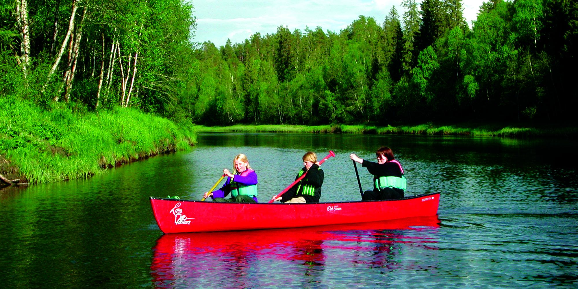 Mokk farm - canoeing. Copyright: Mokk gård