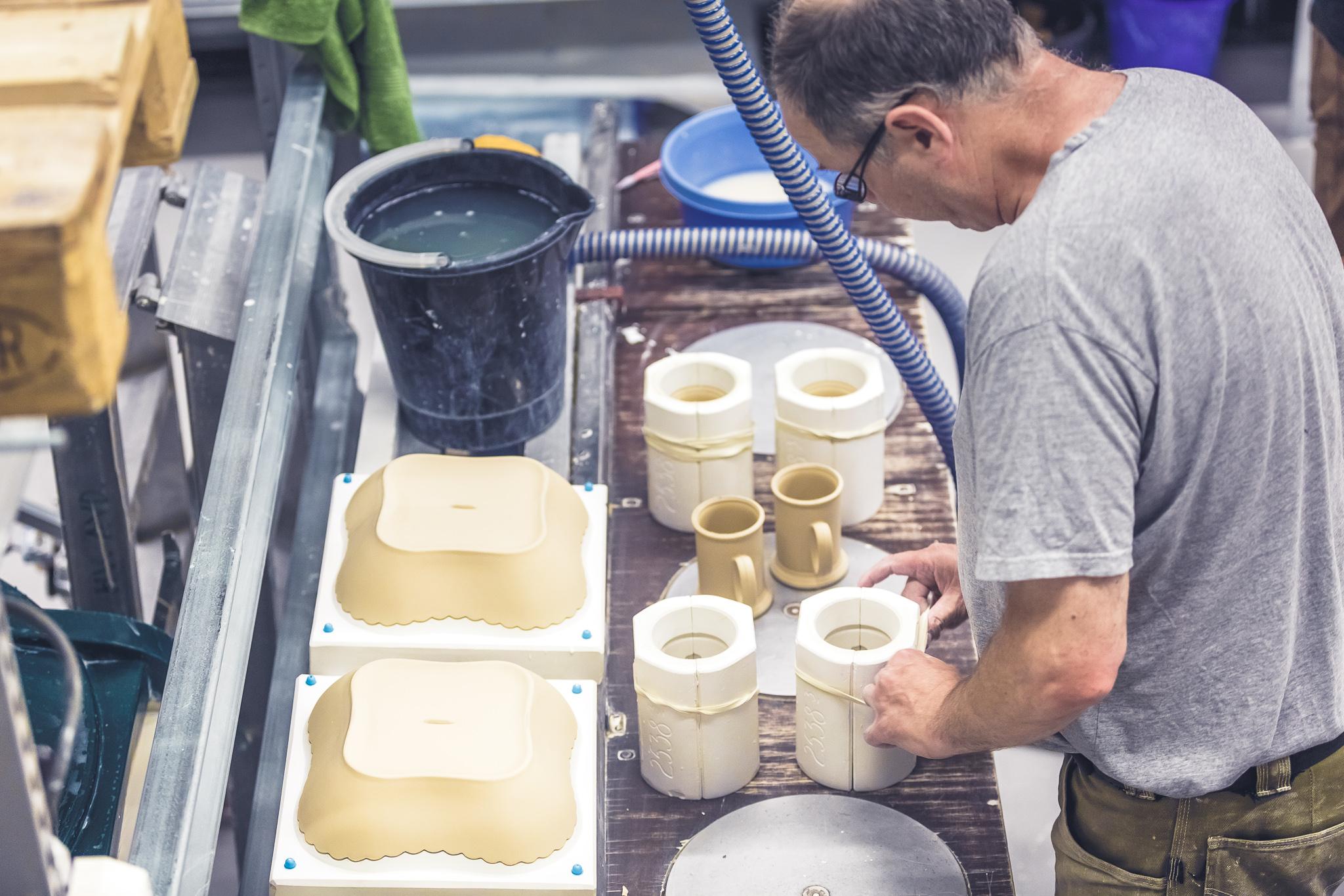Porsgrunds Porselænsfabrik i full produksjon, © VisitGrenland