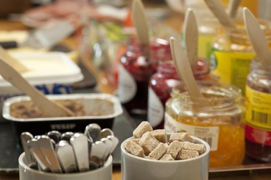 Stor härlig frukost får du på Hotell Hovgård