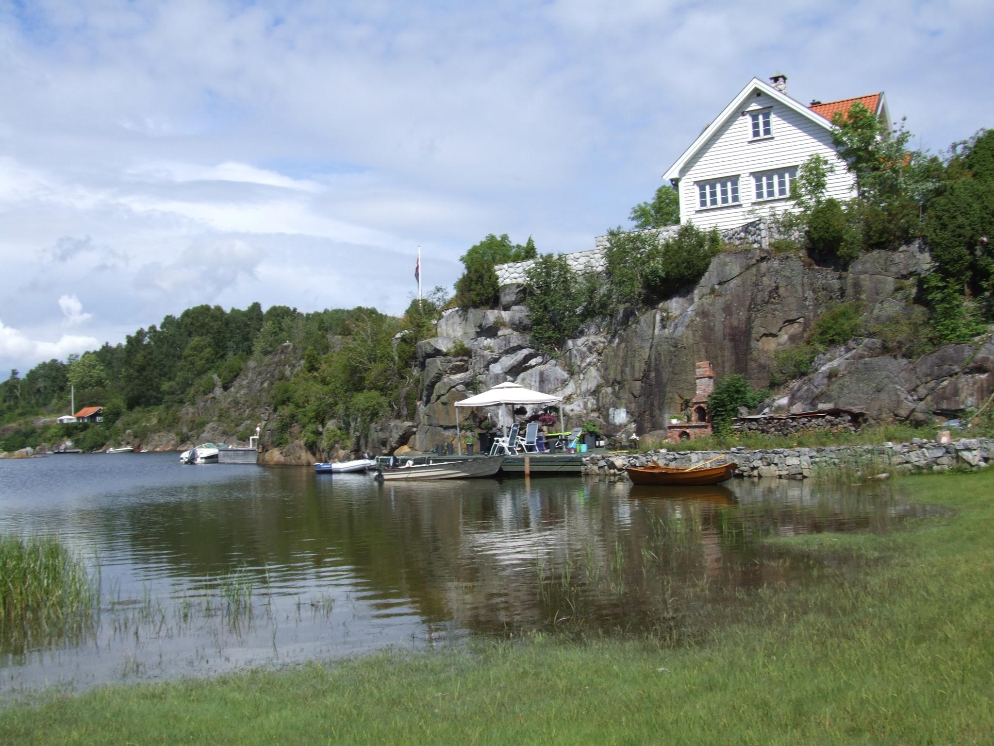 Løvøya utenfor Brevik, fint sted å være om sommeren. Fine stier og badeplass
