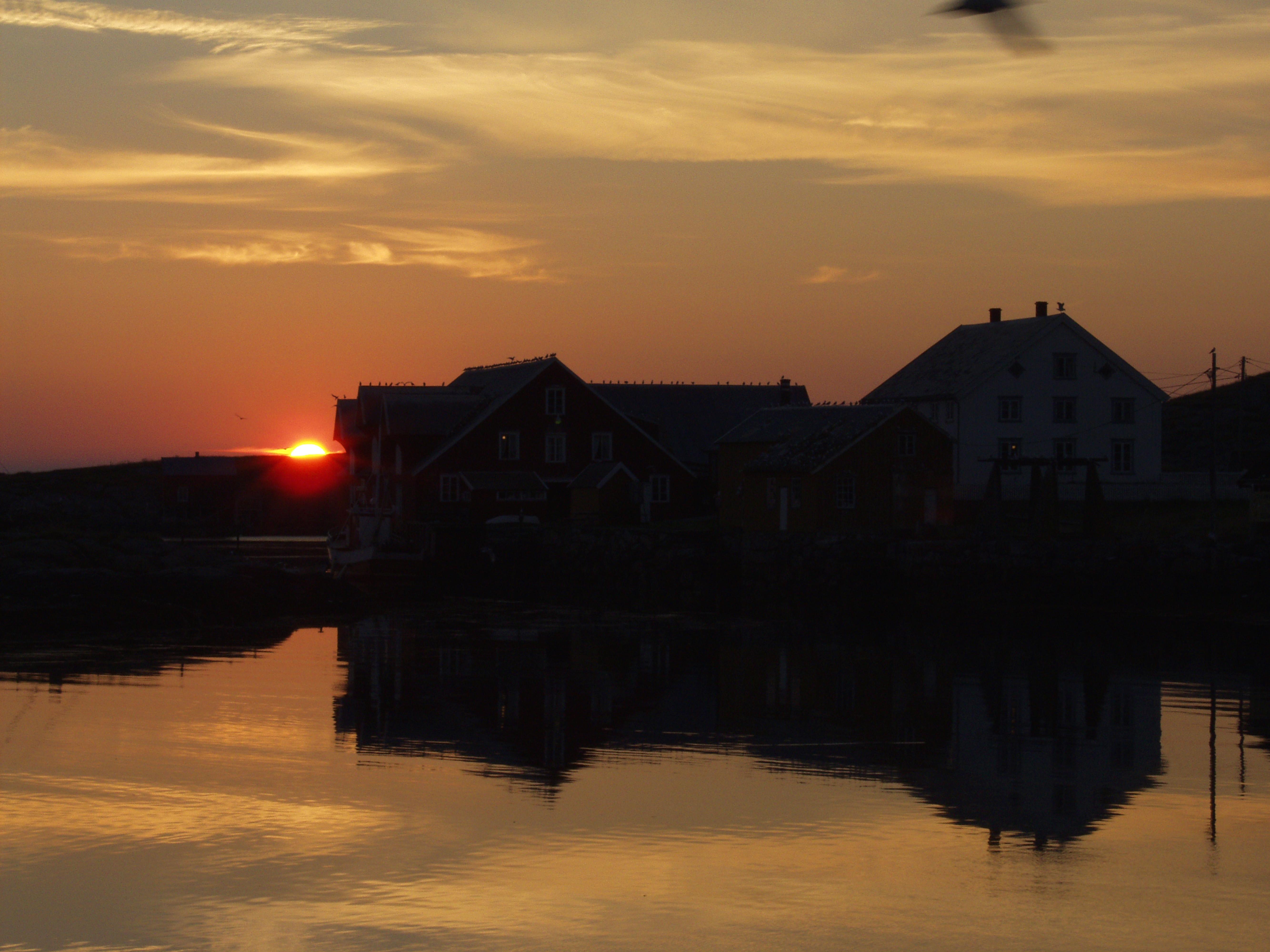 Norveg_Flatholmen i solnedgang.