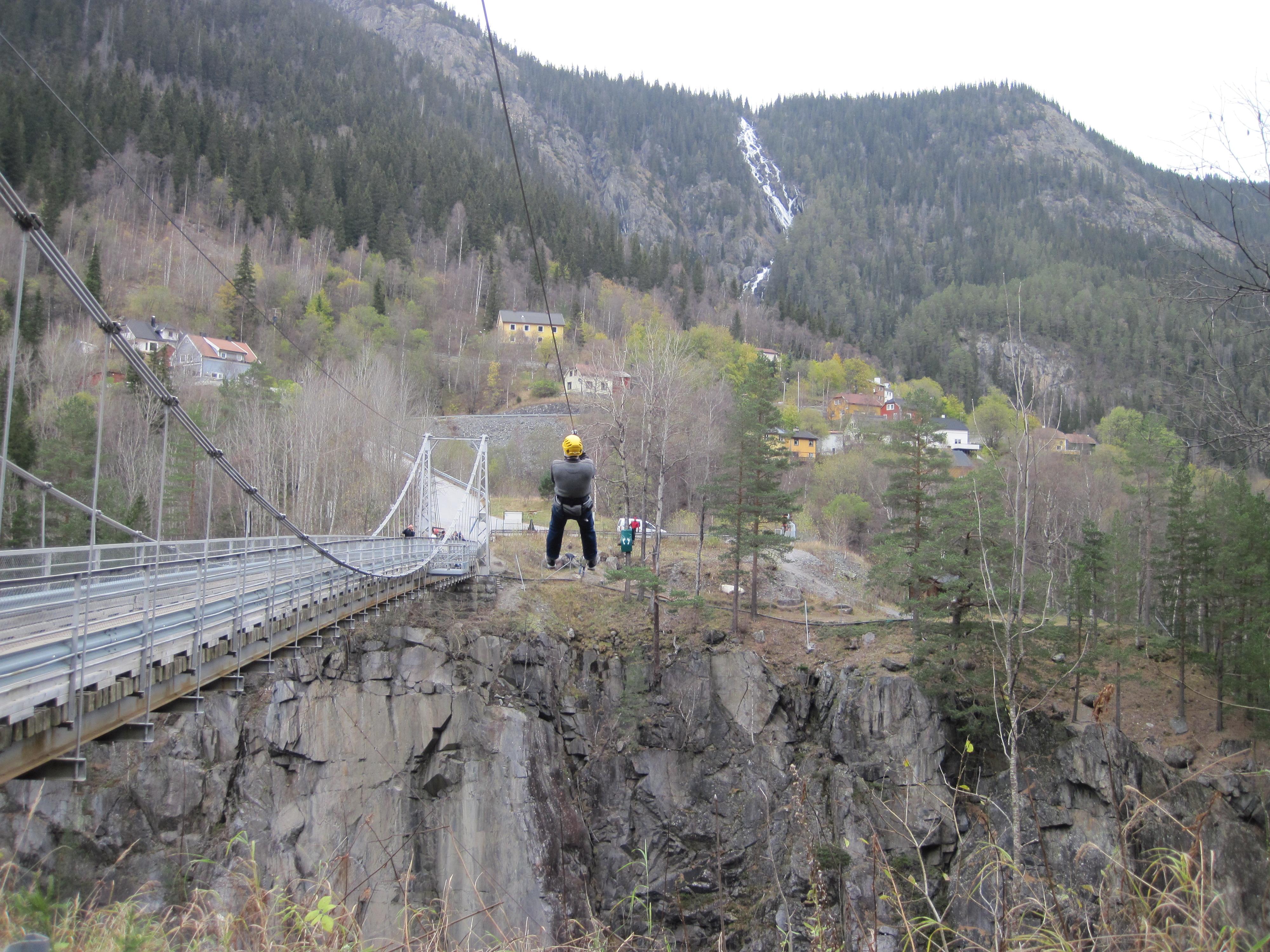 Telemark Opplevelser arrangerer Norges høyeste Zip-line på tvers av Vemorksbrua! , © Telemark Opplevelser