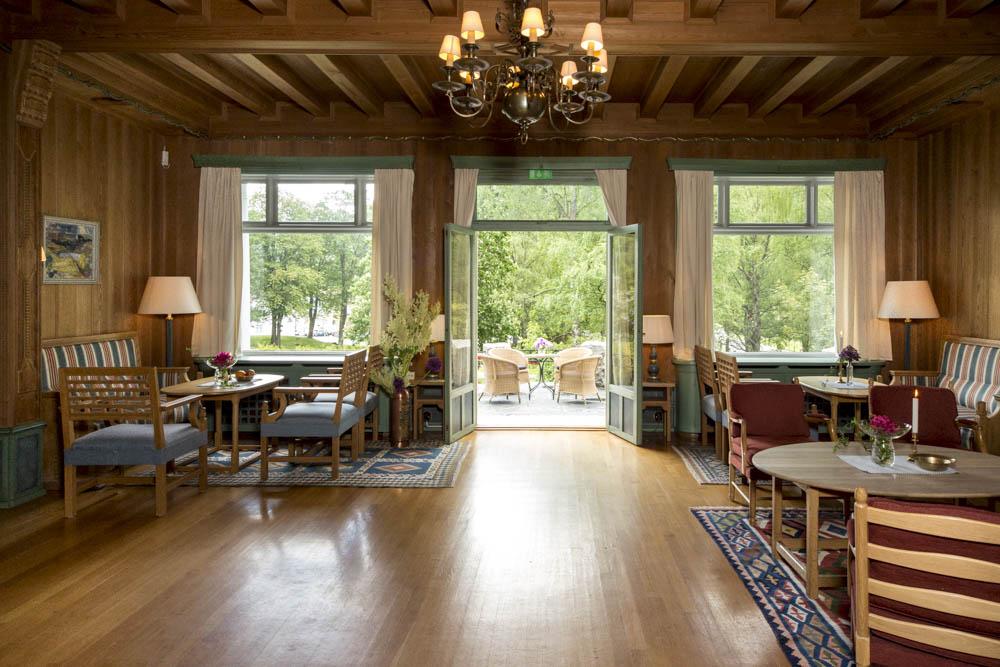 Store og flotte lokaler hvor du kan nyte utsikten over den fine Admini parken, © Fotograf Jacobsen