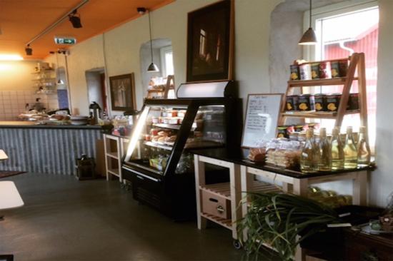 Ett litet familjeägt hantverksbryggeri som ligger naturskönt i Halland vid Viskans strand, cirka 20 km norr om Varberg.
