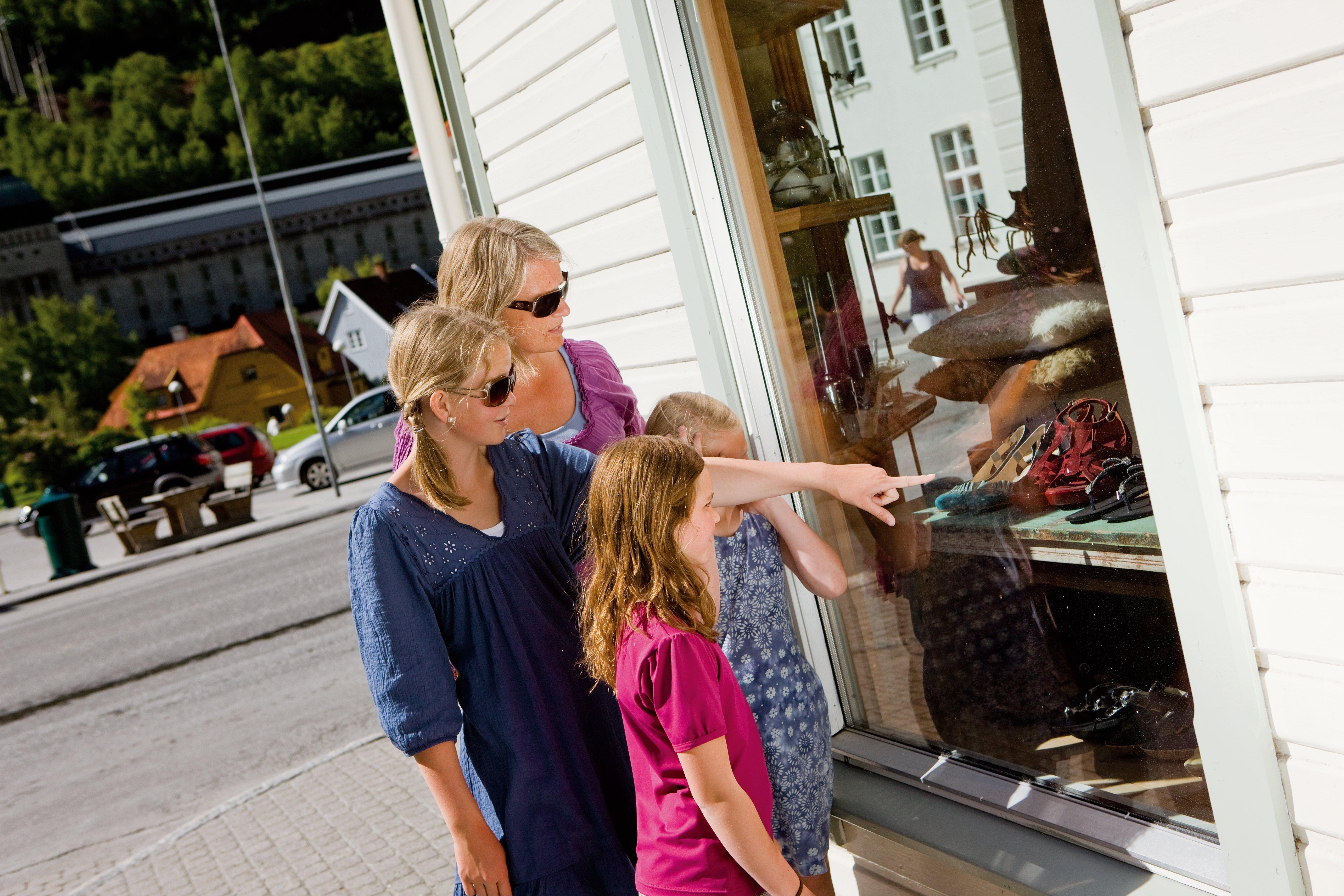 Blått til Lyst finner du vis a vis Rjukan Torg. , © Mediateam