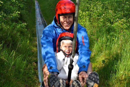 Sommarrodel på Kungsbygget i Laholm lockar fram glädjen hos barn och vuxna.