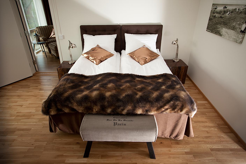 Hotell Strandpensionatet i Skummeslövsstrand, mellan Halmstad och Båstad, erbjuder 12 nybyggda och bekväma rum för dig som konferensgäst.