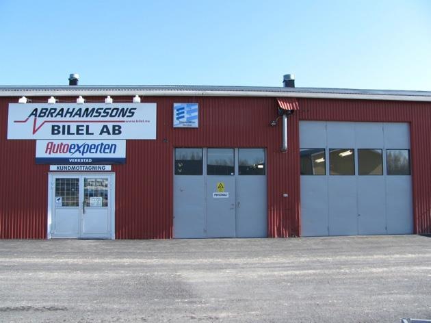 Bild på fasaden där butik och verkstad finns, Abrahamssons bilel
