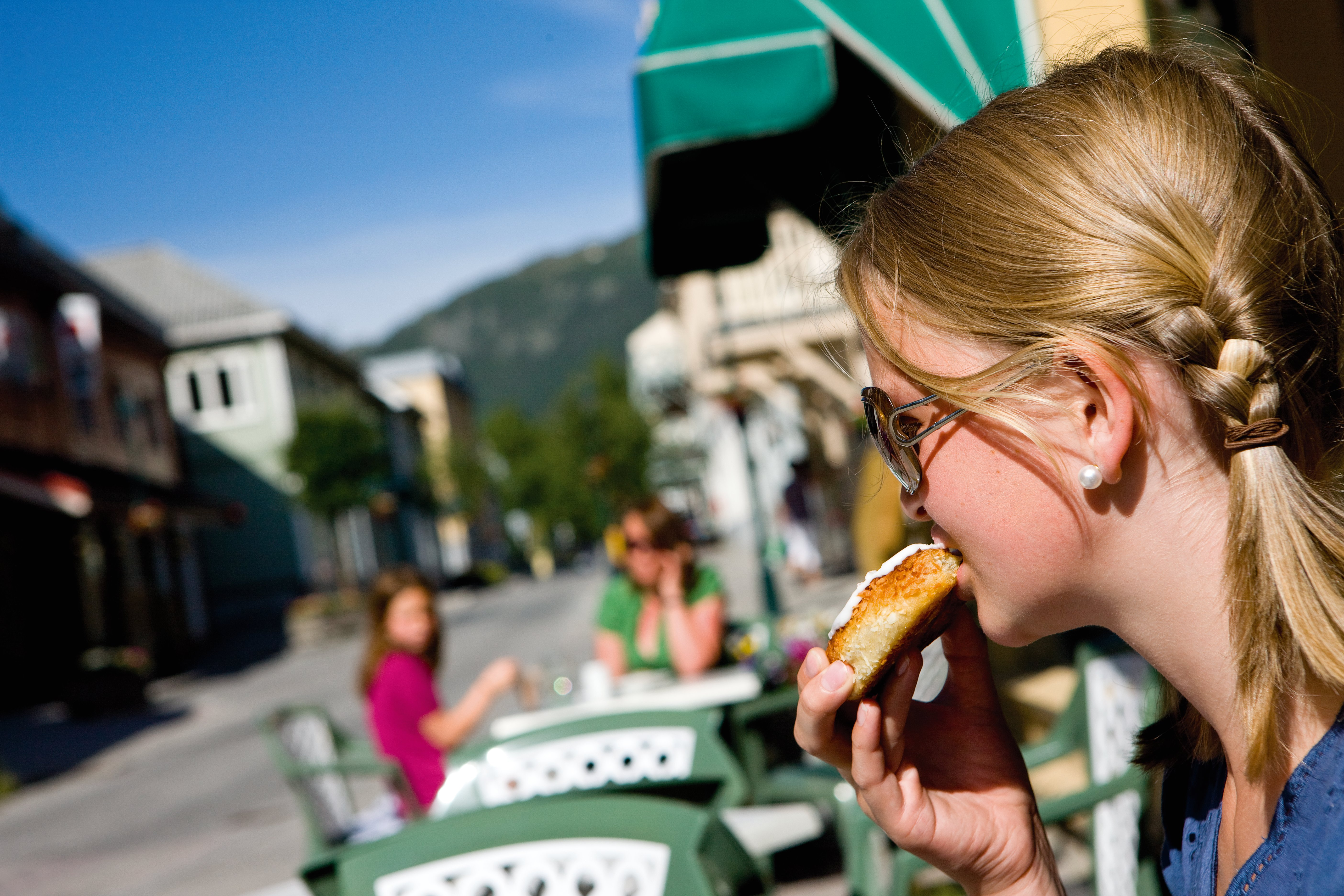 På konditoriet på Rjukan får man kjøpt det meste av bakeverk.  , © Mediateam/Espen Halvorsen
