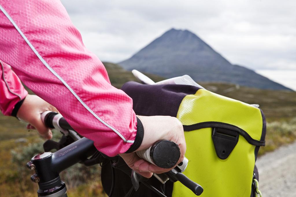 Flott utsikt til Gaustatoppen flere steder langs sykkelturen.  , © Fotograf Jacobsen