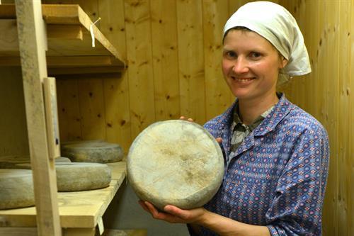 Ost er en av de hjemmelagde produktene du kan få hos Håvardsrud Seterliv, © Nancy Bundt