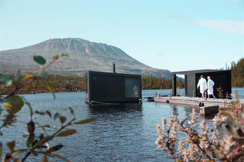 Flytende badstuer på Kvitåvatn, © visitRjukan