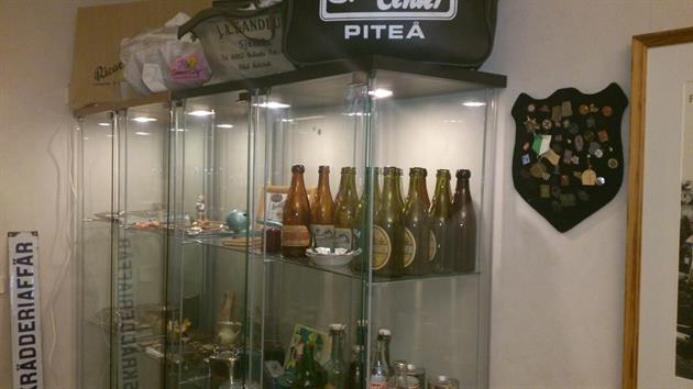 Glasmonter Lidmans samlingar