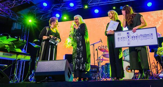 Glada pristagare från scenen 2019