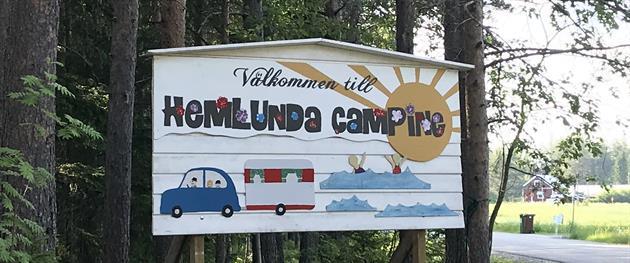Hemlunda Camping, Amanda Pogulis